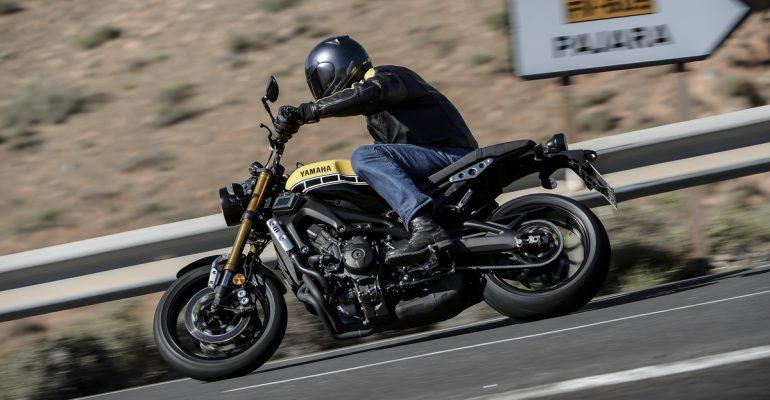 Yamaha XSR900-2016