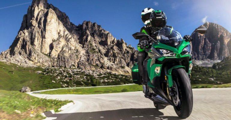 De Kawasaki Z1000SX tijdelijk met gratis Tourer pakket
