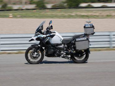 Ook BMW experimenteert met een autonoom rijdende R1200 GS