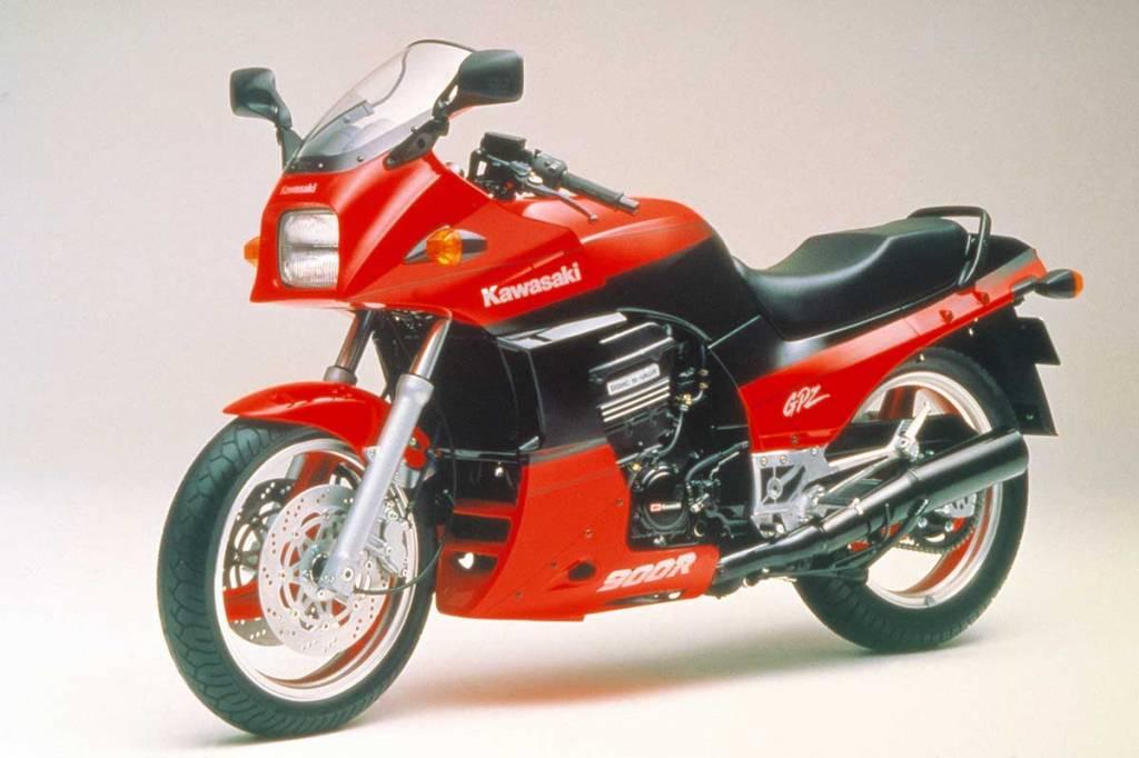 Kawasaki GPZ-900R 1984
