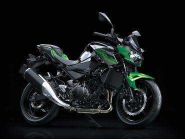 Kawasaki Z400 9 maart bij de dealer