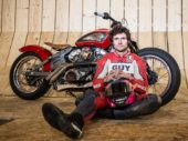 Guy Martin pakt snelheidsrecord in de steile wand