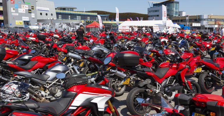 Kom op 24, 25 of 26 mei naar de Internationale Ducati Club Race op TT-circuit Assen
