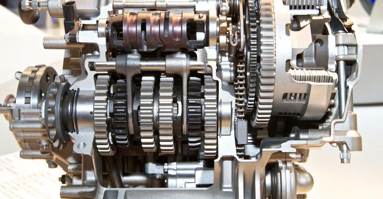 TECHNIEK: Hoe werkt een versnellingsbak?