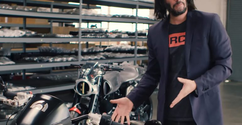 Video: Keanu Reeves geeft kijkje achter de schermen