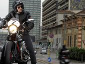 Film > Moto Guzzi V7 Racer