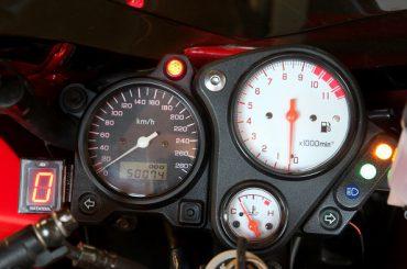Techniek: inbouwen versnellingsindicatoren