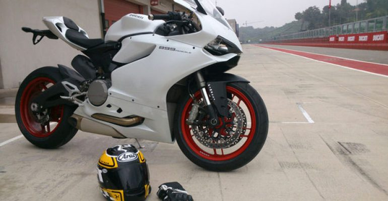 Getest > Ducati 899 Panigale