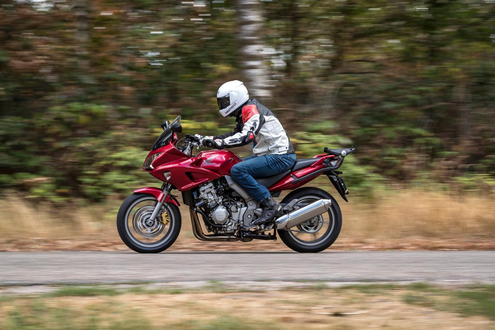 Honda CBF1000 2008 Actie
