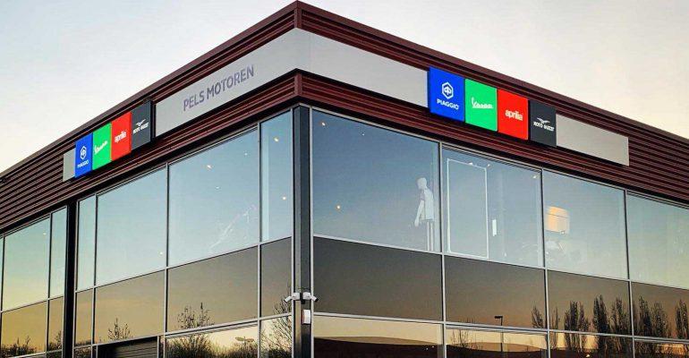 Motoplex Utrecht: Eerste Piaggio Group flagship store van Nederland staat in De Meern