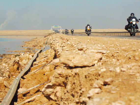 Algeraid: on road door Algerije