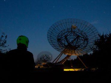 Onaardse avondrit: Toeren onder de Kosmos