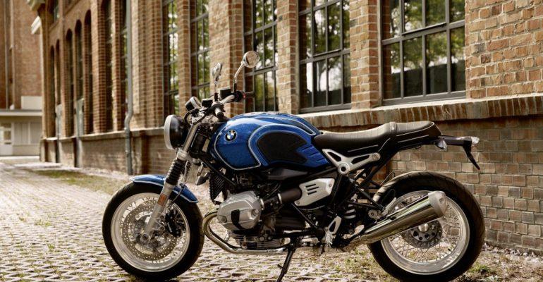 BMW eert vijftigste verjaardag /5-serie met RnineT
