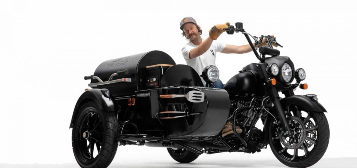 Indian-Motorcycle-Chief_Dark_Horse_Traeger-Grill-02
