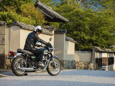 Derde Kawasaki W800 maakt W-familie compleet