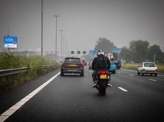 Verlopen rijbewijzen blijven langer geldig