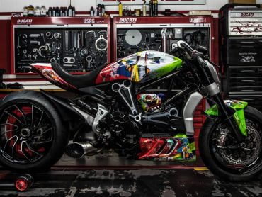Moto Puro onthult XDiavel Collegamento ART-Bike