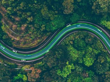 Zijn ladende snelwegen de toekomst van e-motorfietsen?