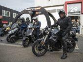 Lezers testen motorscooters van Riders Vision