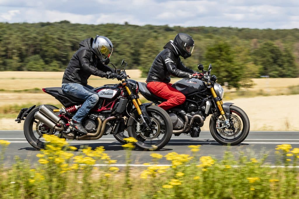 Ducati Monster 1200S vs Indian Scout FTR1200S
