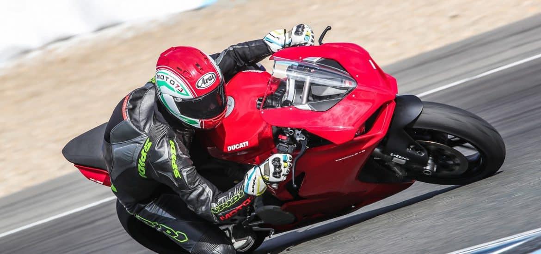 MotorNL Ducati Panigale V2 test