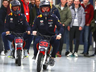 Ook Max Verstappen op de motor!