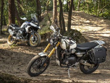 Test: BMW R1250 GS vs Triumph Scrambler 1200XE