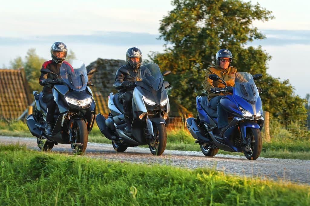 middenklasse toerscooters 2019 bmw c400gt vs kymco Xciting S 400 vs yamaha xmax400 (3)