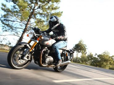 Vijf vragen: Triumph Thruxton RS