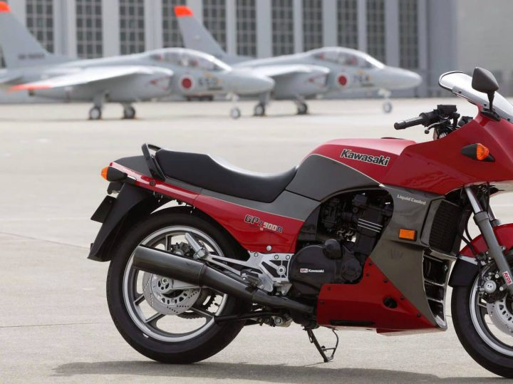 Vergeet-Mij-Nietje: Kawasaki GPZ900R