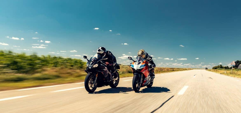 Dubbeltest Ducati Panigale RSV4 1100 Factory vs Ducati Panigale V4S Corse