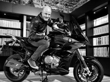Column Nick Enghardt: Een man die motor rijdt