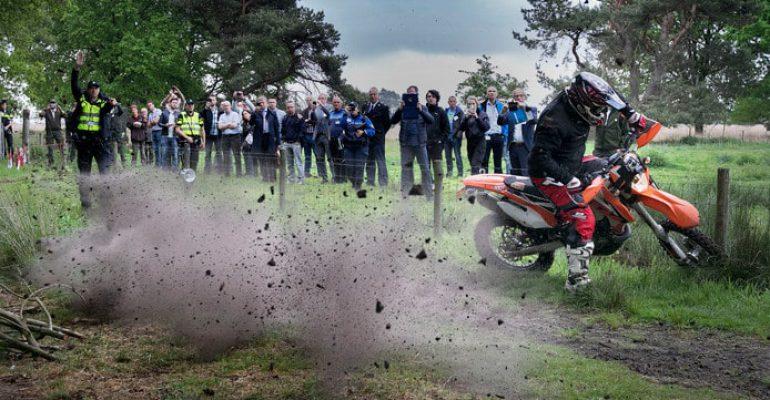 Dringende oproep: 'Zie wildcrossen niet als antwoord op gesloten circuits'