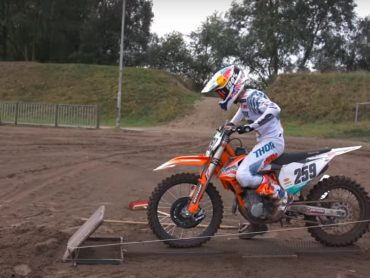 Zondagmorgenfilm: De weg naar goud bij de Motocross of Nations Assen