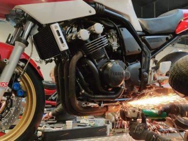 Garage73: Yamaha Fazer tot Racer