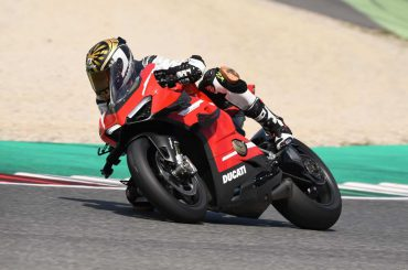 Eerste test Ducati Superleggera V4 2020