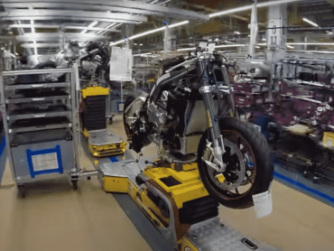 Zondagmorgenfilm: binnen in de BMW-fabriek