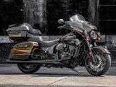 Motorrijden en drank? Soms wel een mooie combi: Jack Daniel's Dark Horse 2021