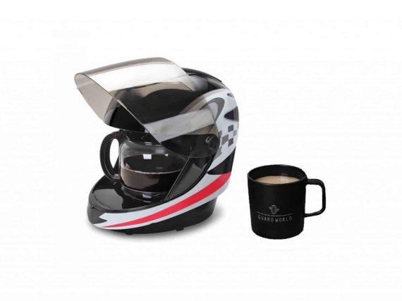 Koffie zetten in een motorhelm