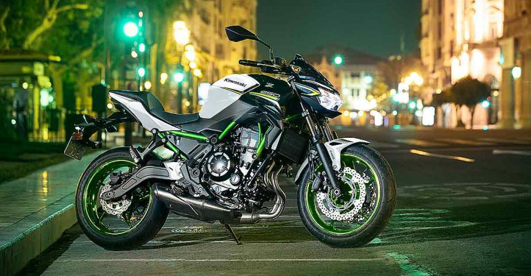 2021 Kawasaki Z650 medio december bij de dealer