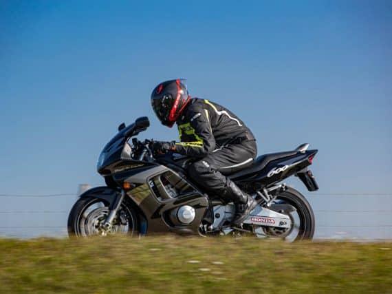 Honda CBR600FII (1995) staat na kwart eeuw nog kaarsrecht overeind