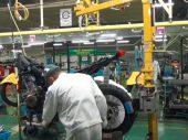 Zondagmorgenfilm: Even een Honda Africa Twin in elkaar knutselen