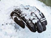Negen paar motorhandschoenen voor in de winter getest
