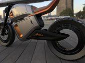Toyota: elektrische voertuigen vervuilen evenveel als benzinevoertuigen