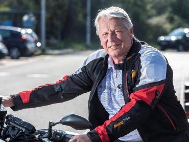 Hank Buyck haalde als 76-jarige zijn motorrijbewijs