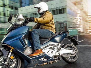 Is de Honda Forza 750 beter dan Yamaha's TMAX?