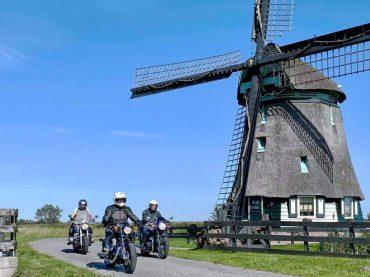 Nederland massaal op de motor!