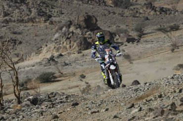 Motorcoureur Paul Spierings redt leven collega in Dakar Rally