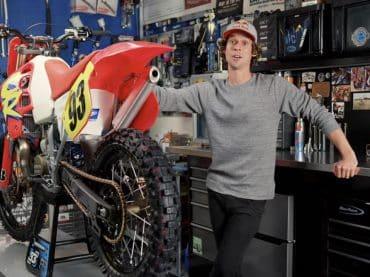 Een Honda CR500 restaureren – Avondklok-film #37