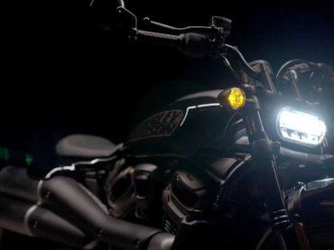 Harley-Davidson 1250 Custom getoond in Pan America-video